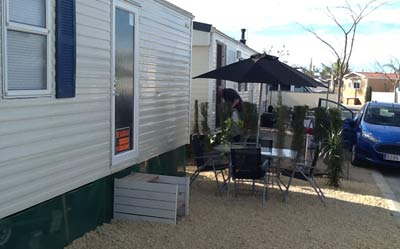 2 adjacent Caravans For Rent